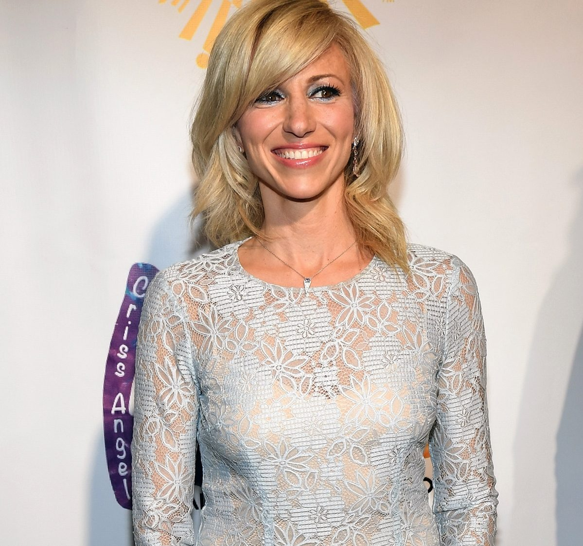 10 8 e1625215907775 Remember Debbie Gibson? Here's What She Looks Like Now!