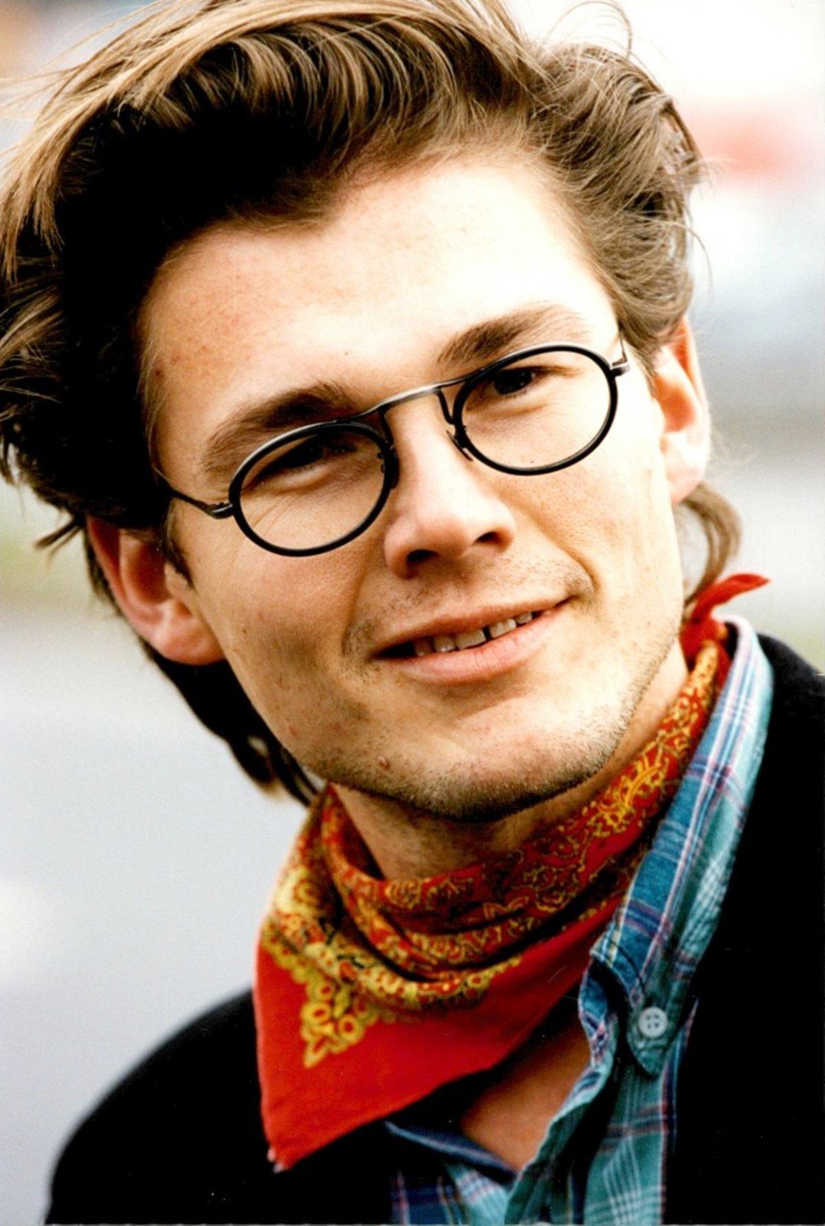 Morten Harket with glasses