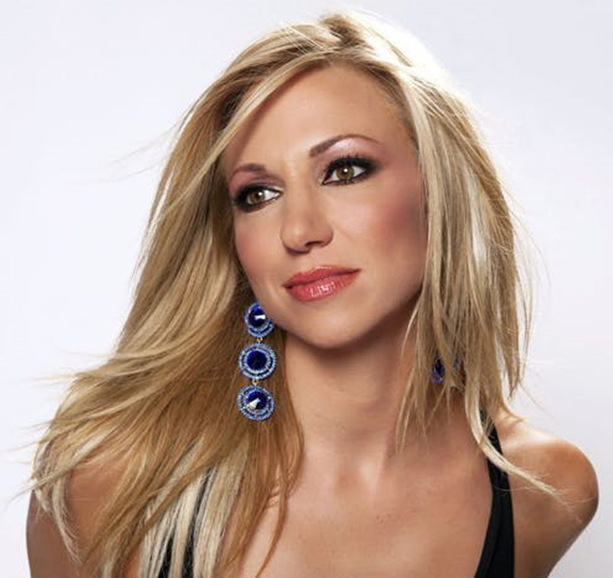 8 e1625215861208 Remember Debbie Gibson? Here's What She Looks Like Now!