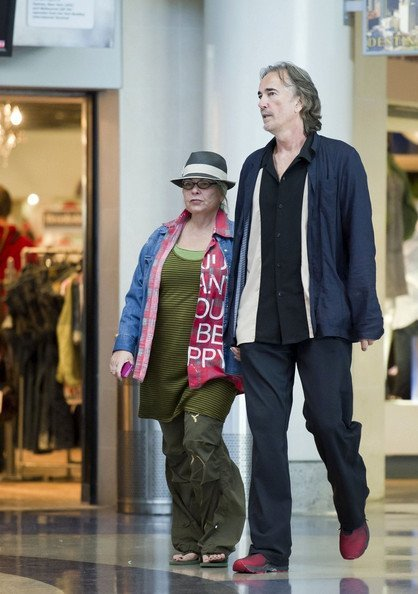 Roseannesnuttyoutfit C1VaNMZsQRl The Real Life Partners Of The Roseanne Cast