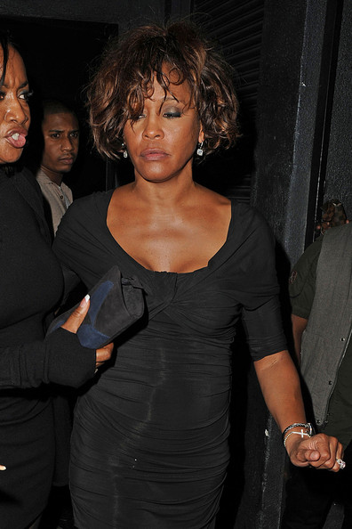 WhitneyHoustonWhitneyHoustonOutTwoNightsLc QAUH8aDll 45+ Last Known Photos of Celebrities Before They Died