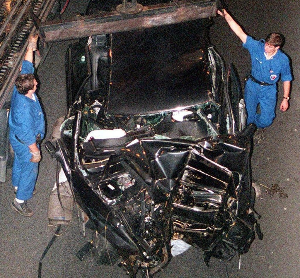 diana car crash 45+ Last Known Photos of Celebrities Before They Died