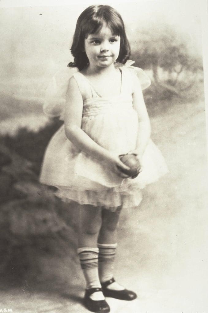 e018bcdbb18d0877f62f85ec7e4d4592 judy garland garlands The Tragic Life And Death Of Judy Garland