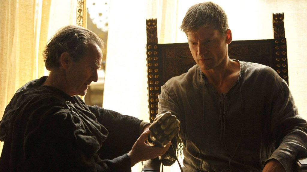 jaime gets his gold hand 33 Things You Didn't Know About The Game of Thrones Cast