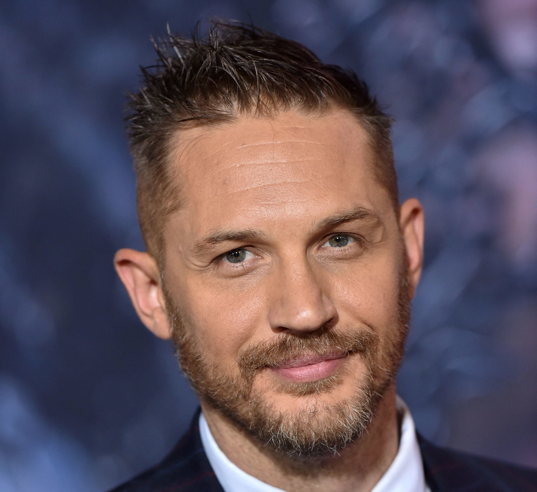tom hardy attends the premiere of columbia pictures venom news photo 1587931757 scaled e1611677872590 40 Things You Didn't Know About Tom Hardy
