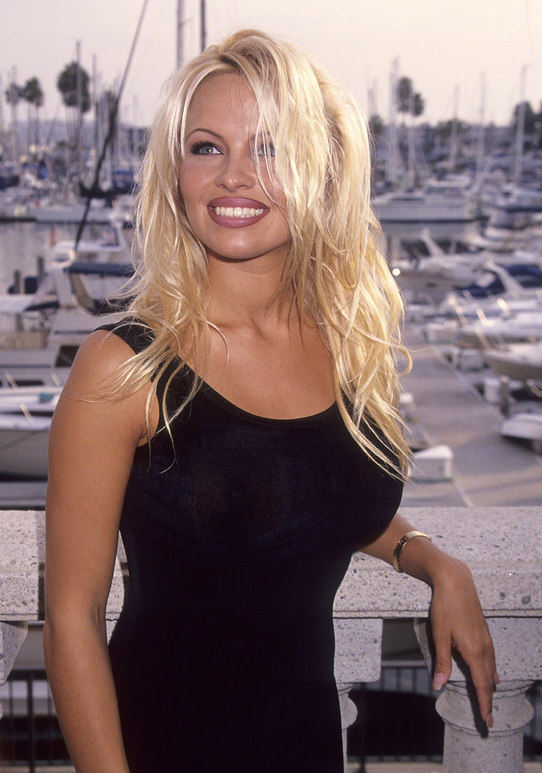 1994 40+ Photos Of Celebrities They Would Not Want You To See