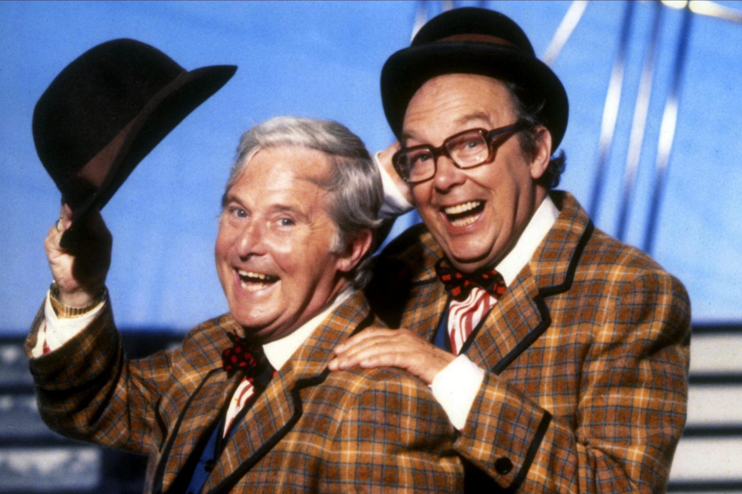 2Fmethode2Ftimes2Fprod2Fweb2Fbin2F5bd67102 f0de 11e8 8c84 29b2667b0b46 scaled 12 Classic Comedy Shows From When We Grew Up - Which Was Your Favourite?