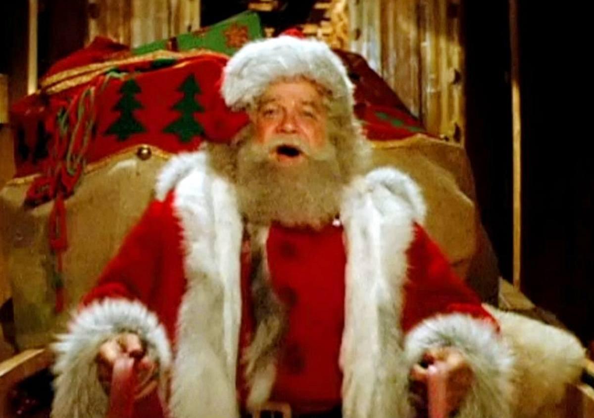 David Huddleston in Santa Claus: The Movie 1985
