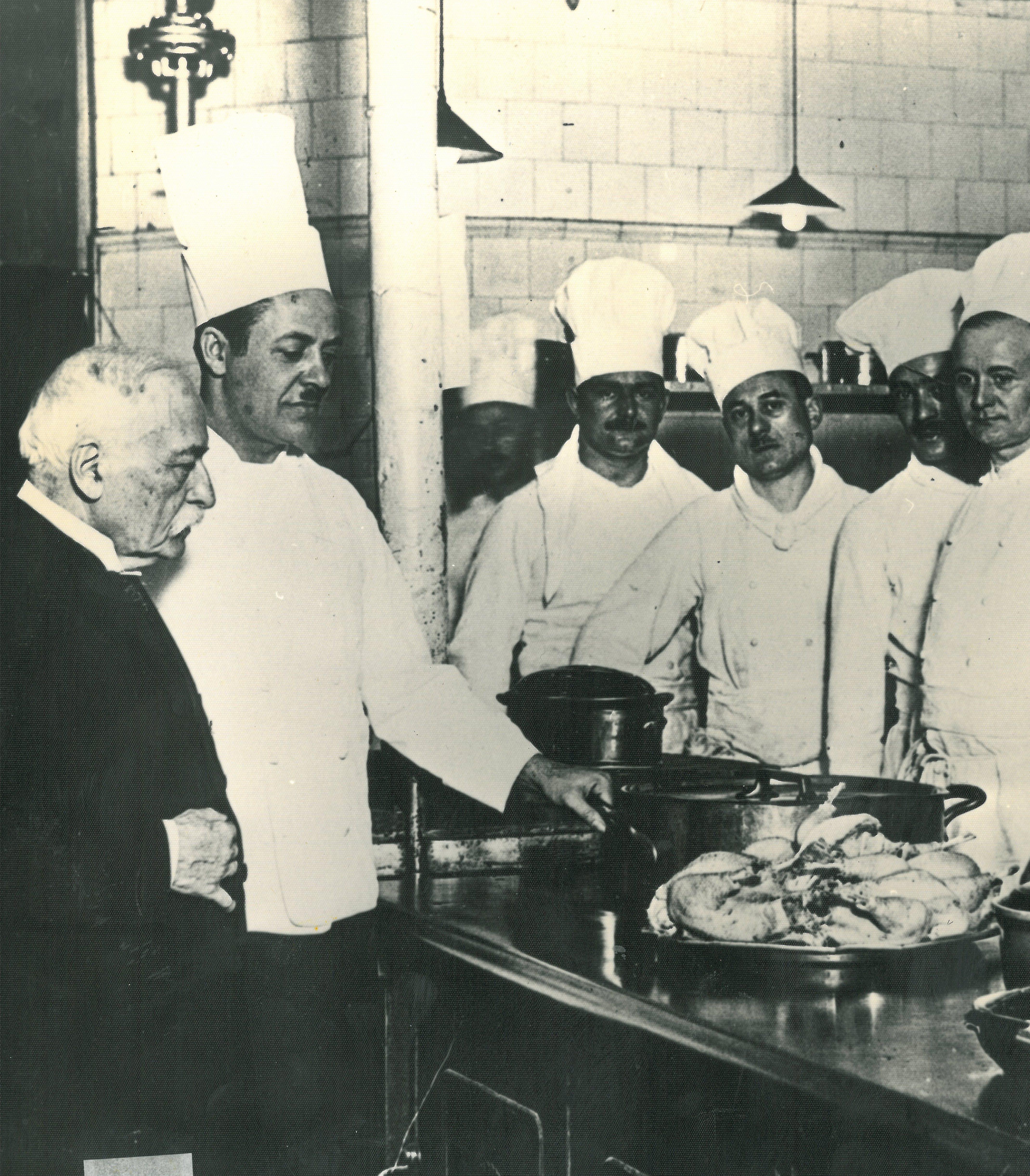 Auguste Escoffier et son personnel au Carlton de Londres 25 Things You Never Knew About The Titanic