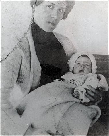 Baby Millvina with mother Georgette rms titanic 6500893 380 473 25 Things You Never Knew About The Titanic