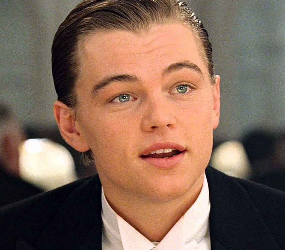 INTRO2 2 10 Photos Leonardo DiCaprio Does NOT Want You To See