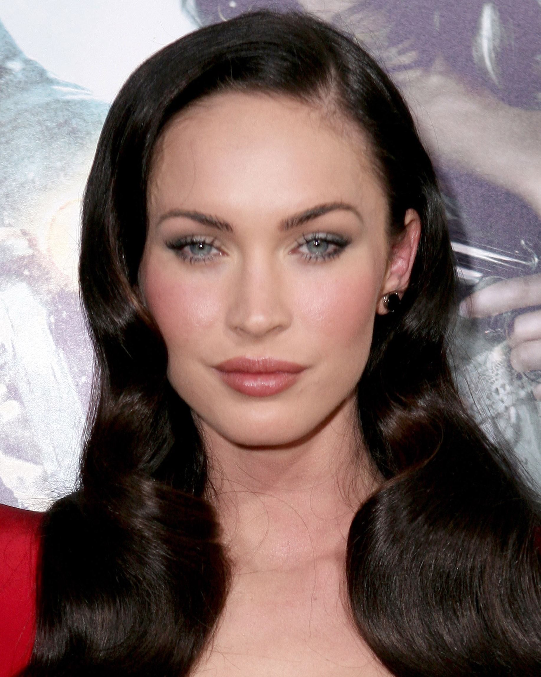 Megan Fox got plastic surgery 1 Celebs Before And After Surgery