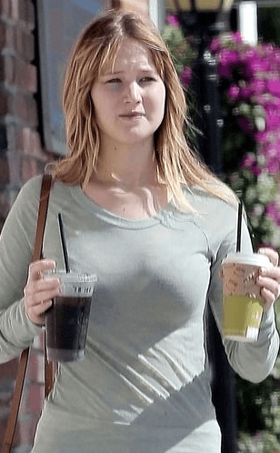 Screenshot 2018 12 12 at 09.23.29 40+ Photos Of Celebrities They Would Not Want You To See
