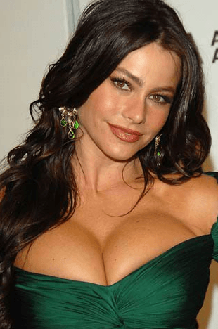 Screenshot 2018 12 12 at 10.11.59 40+ Photos Of Celebrities They Would Not Want You To See