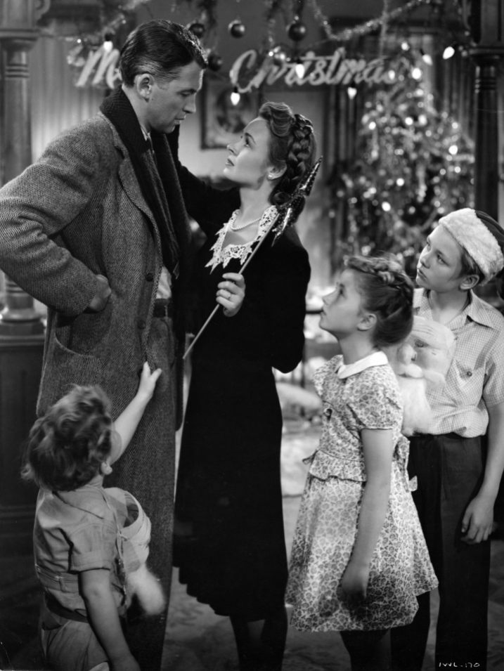 life 0 23 Christmas Movie Facts You Probably Never Knew About