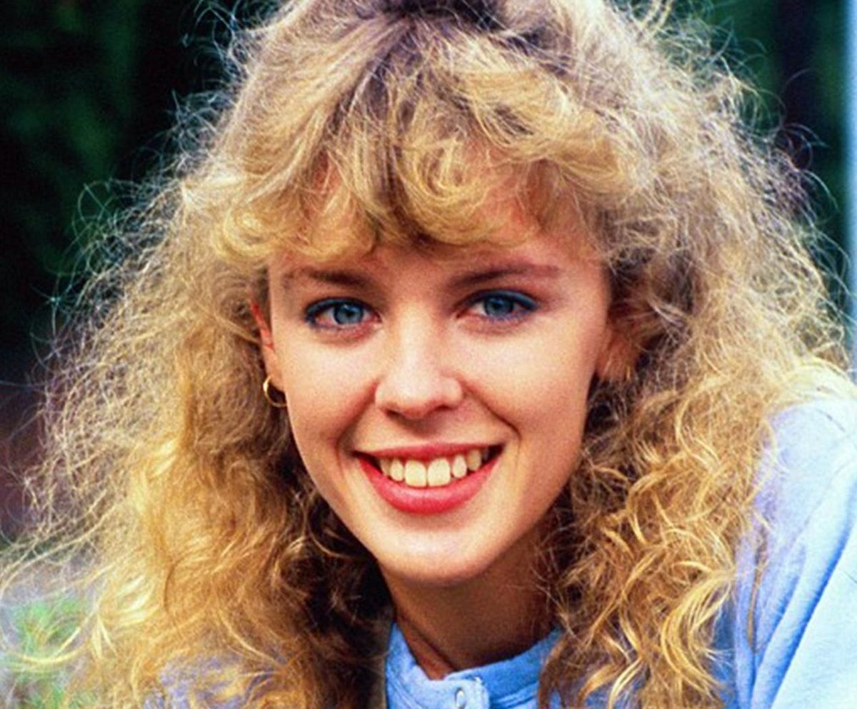 1 24 e1548072207114 Here's What Your Favourite 1980s Neighbours Stars Look Like Today!