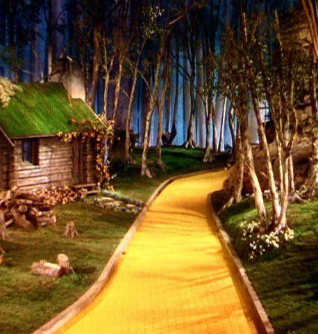 164932199 wizard of oz wallpapers e1574242365572 20 Movie Urban Legends (That Aren't Actually True)