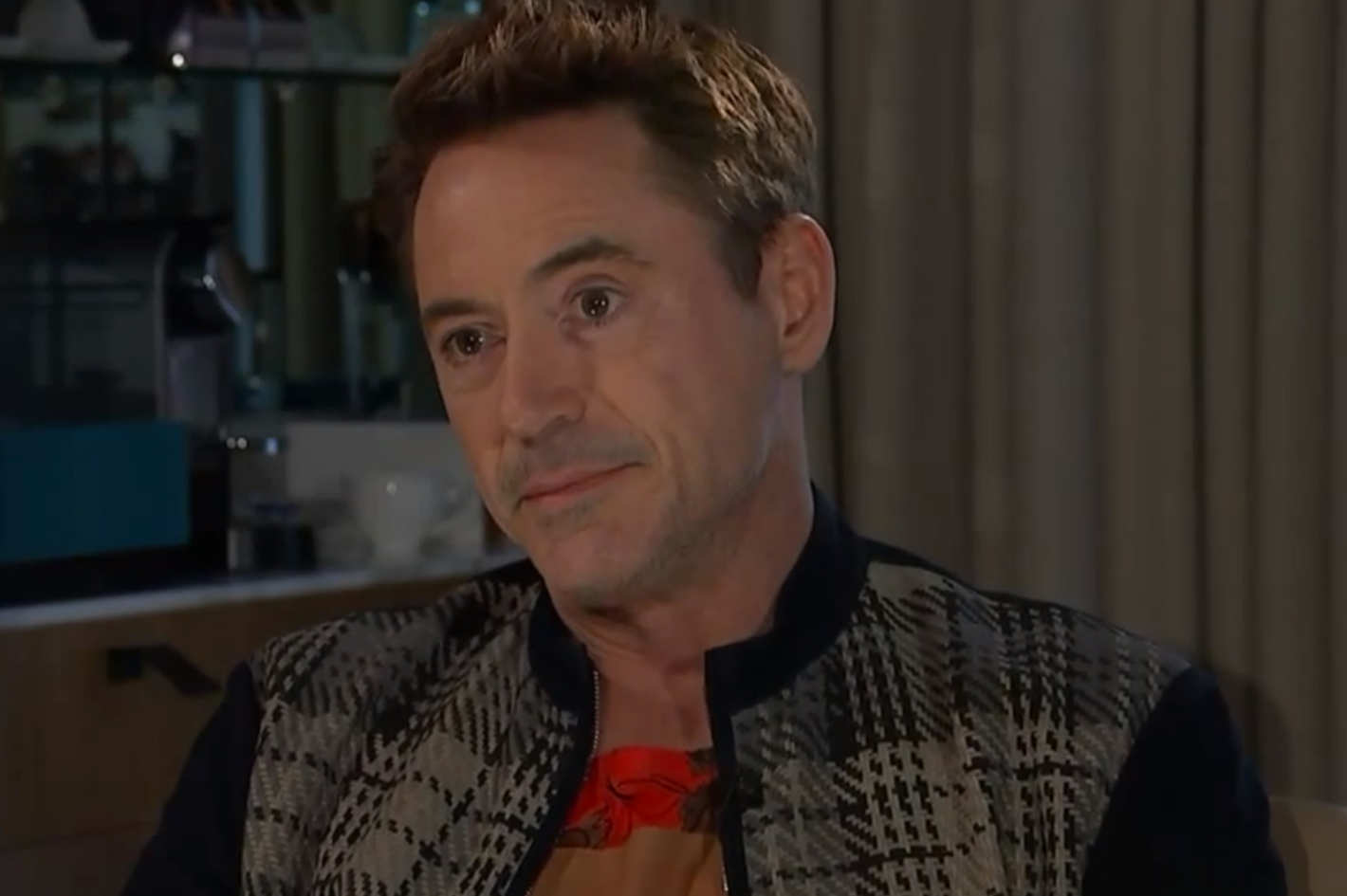 22 rdj The Most Cringe-Worthy Celebrity Interviews Of All Time