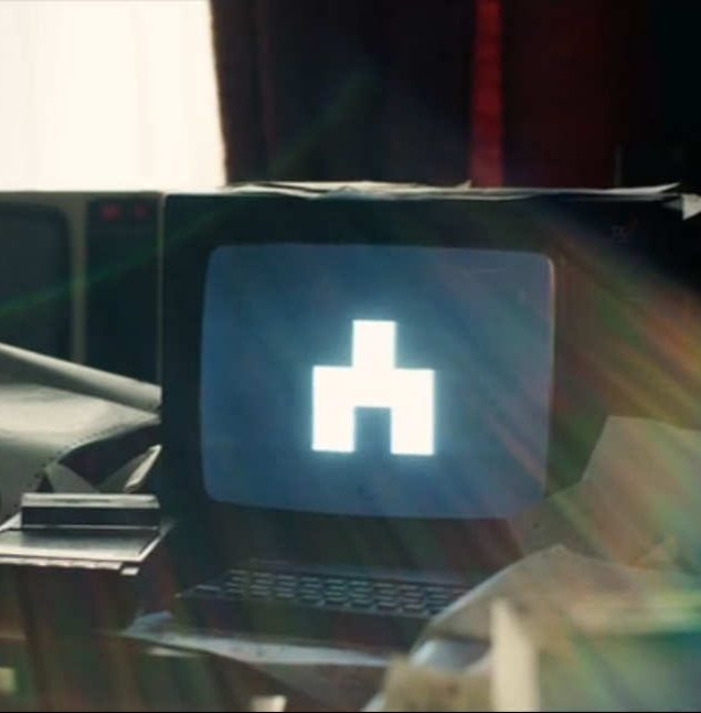 28 white bear 2.nocrop.w710.h2147483647.2x e1574334993135 25 Things You Didn't Know About Black Mirror: Bandersnatch