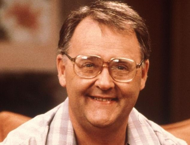 43B1FC1200000578 4835228 Will he be back With Harold last seen driving off into the sunse a 1 1504081275219 Here's What Your Favourite 1980s Neighbours Stars Look Like Today!