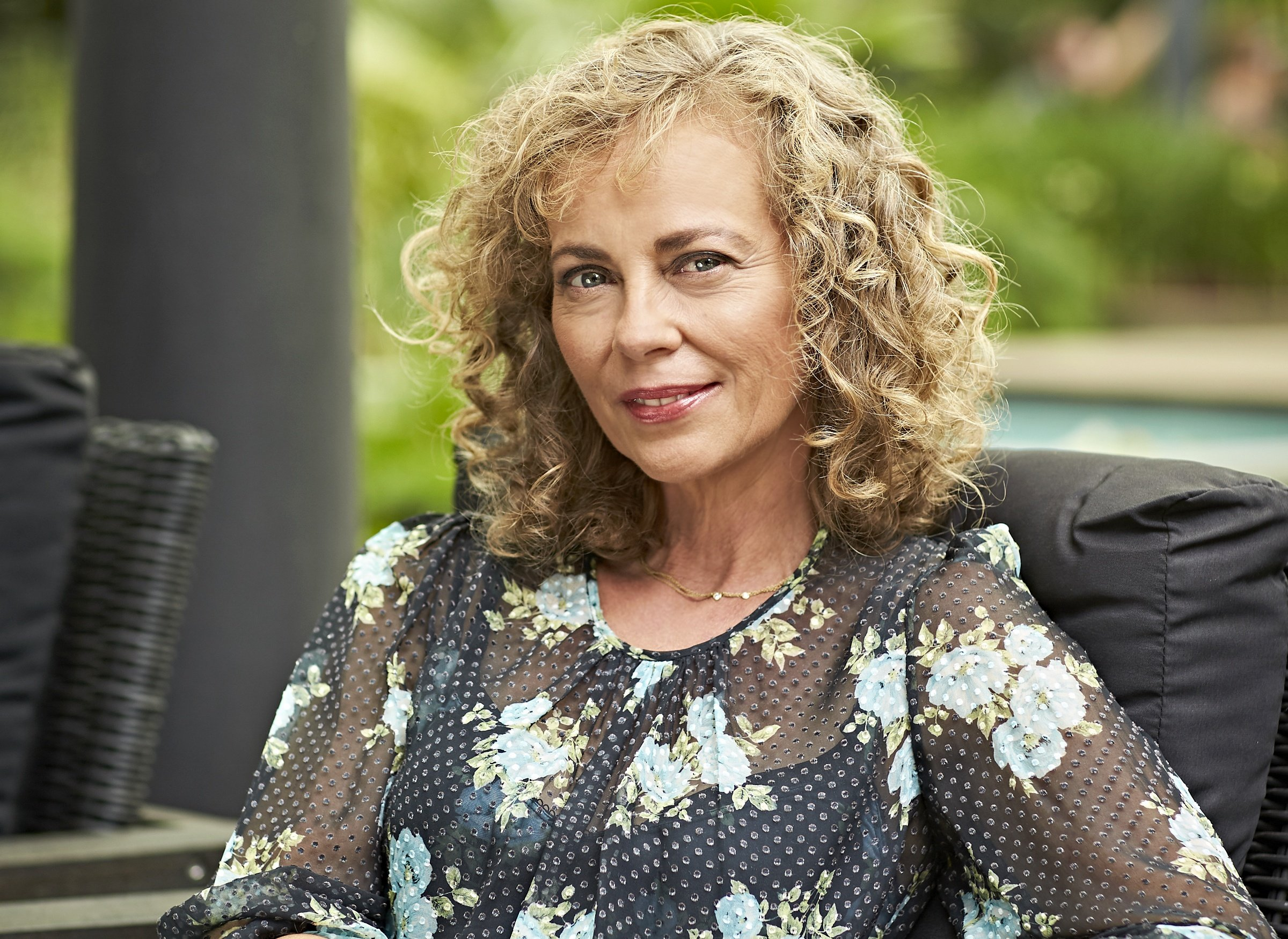 Annie Jones returns to Neighbours reprising her character Jane Harris 2018 1 b274aeb Here's What Your Favourite 1980s Neighbours Stars Look Like Today!