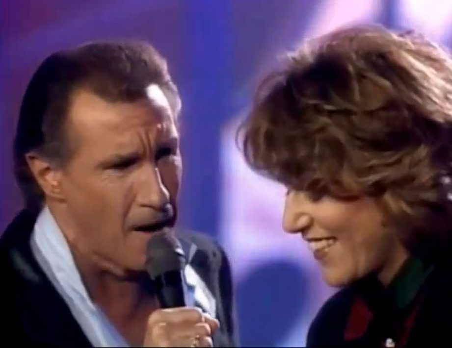 Bill Medley Jennifer Warnes e1617272490905 30 Things You Probably Didn't Know About Dirty Dancing