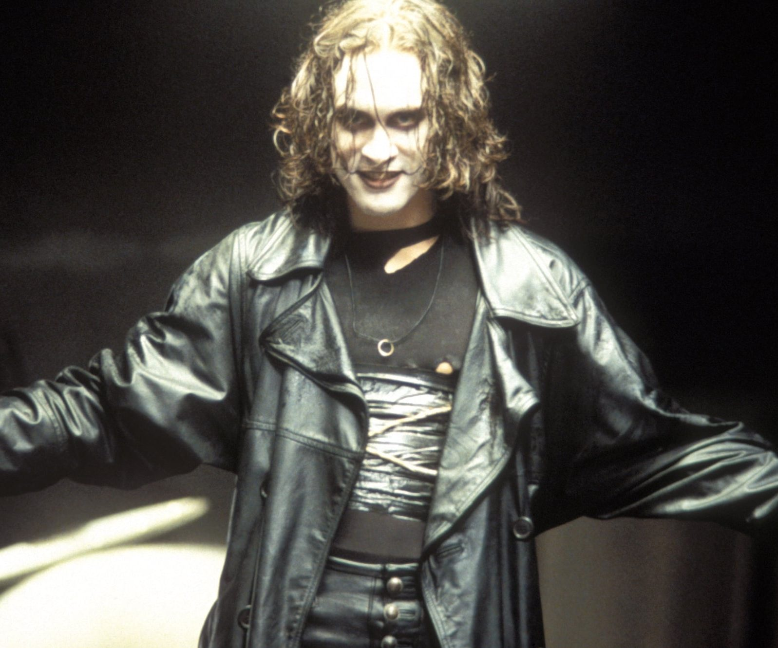 Crow 1994 e1613141580604 30 Haunting Facts About Brandon Lee's The Crow