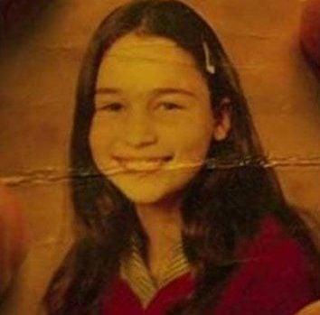 Emilia Clarke Daenerys Targaryen izismile.com hhhh e1608210301193 What The Game of Thrones Actors Looked Like In High School