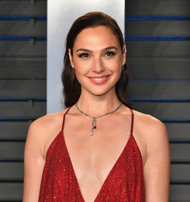 Gal Gadot Vanity Fair Oscars party e1574417557980 25 Celebrities You Didn't Know Served In The Military