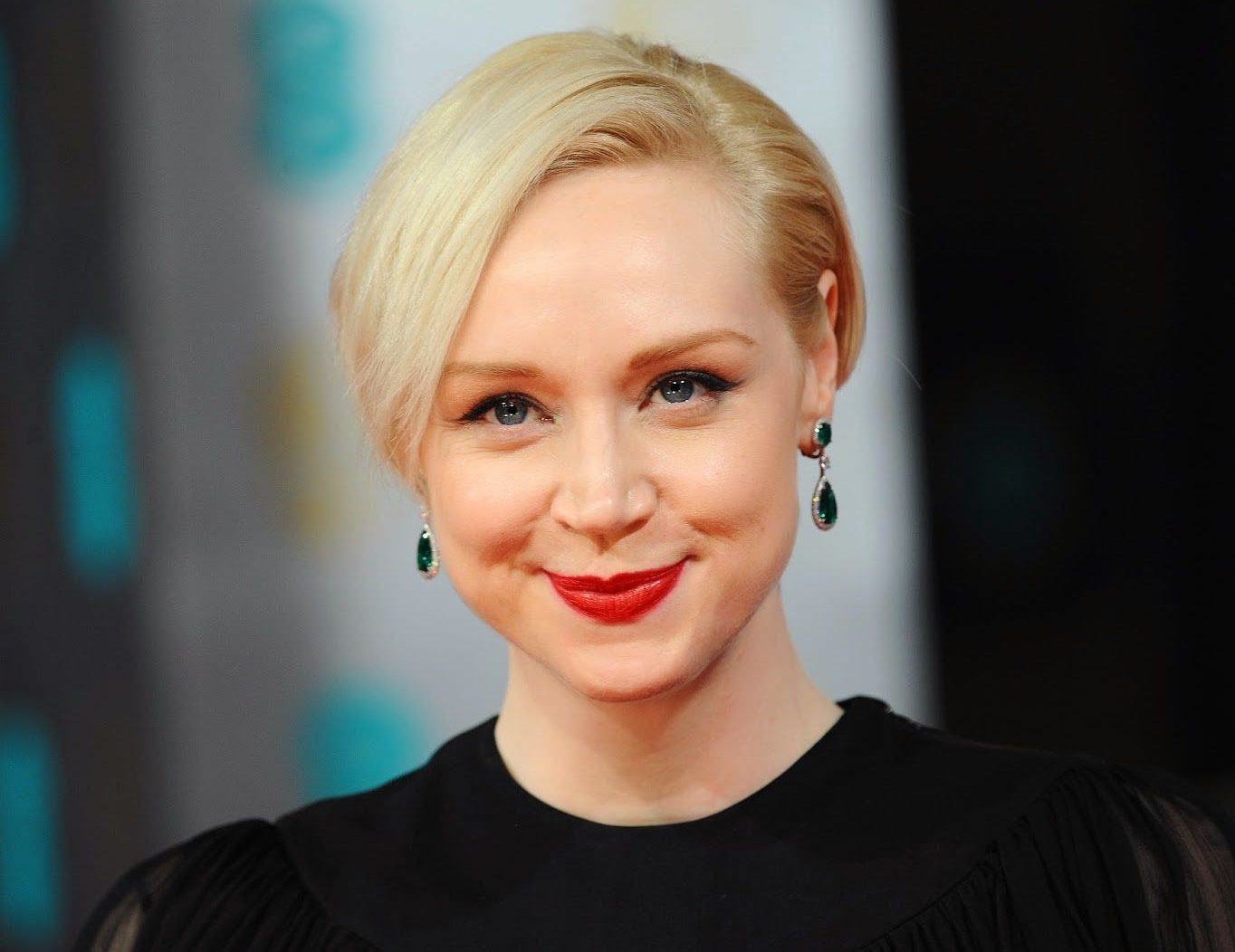 Gwendoline Christie Desktop e1608210545999 What The Game of Thrones Actors Looked Like In High School