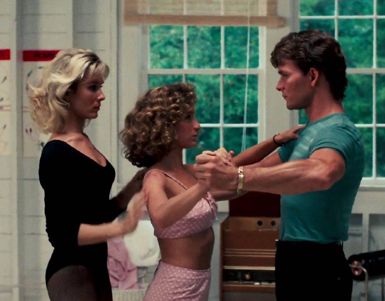 MV5BZWU5NWRkNzQtZTQzYi00MTllLWE1MDUtODA5ZTc0MzhhMmU3XkEyXkFqcGdeQXVyOTc5MDI5NjE@. V1 e1617269407529 30 Things You Probably Didn't Know About Dirty Dancing