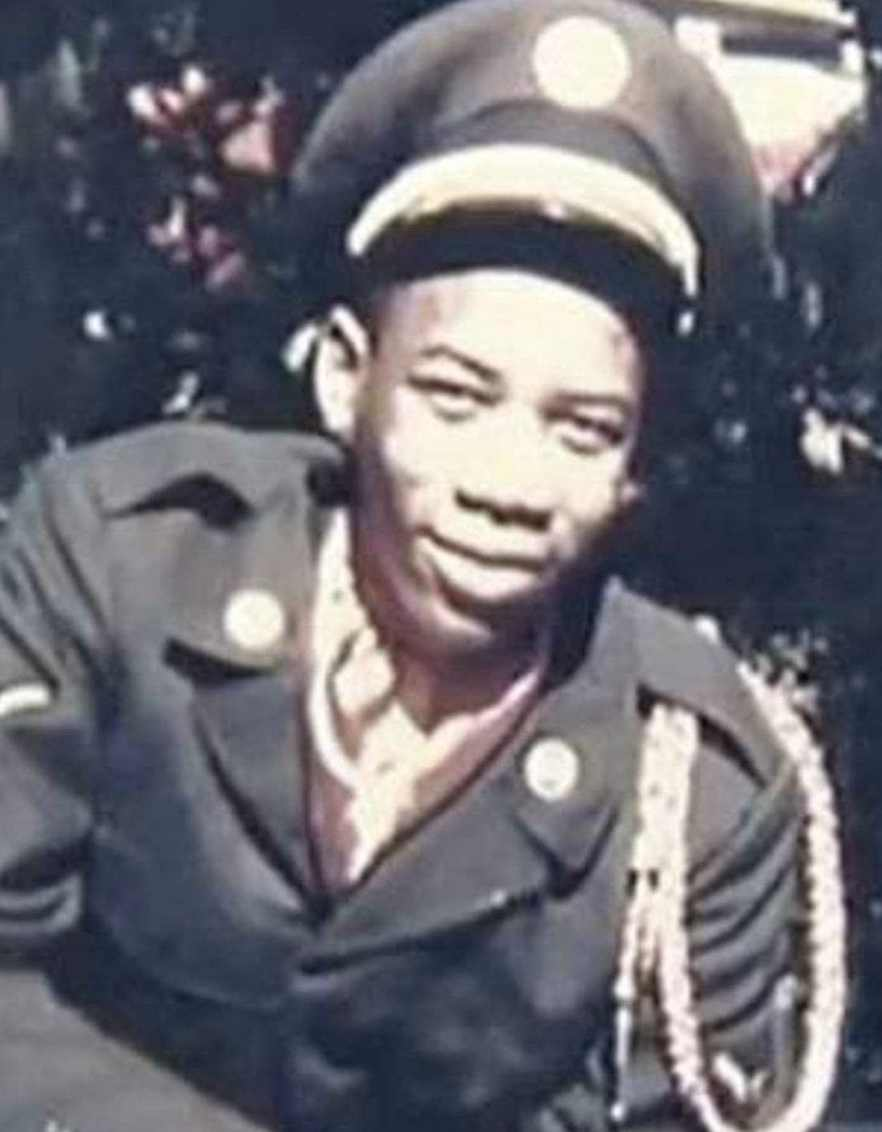 Morgan Freeman 25 Celebrities You Didn't Know Served In The Military