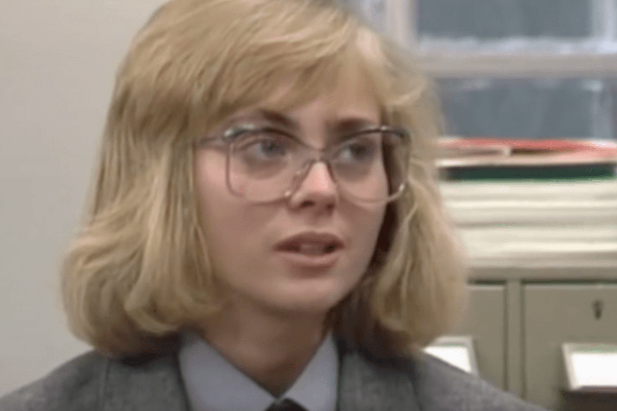 Screen Shot 2018 02 19 at 11.51.57 Here's What Your Favourite 1980s Neighbours Stars Look Like Today!