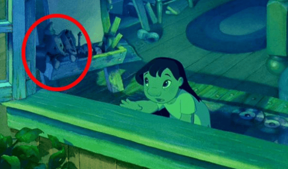 Screenshot 2019 01 11 at 10.25.54 50 Disney Scenes Containing Hidden Characters From Other Disney Movies