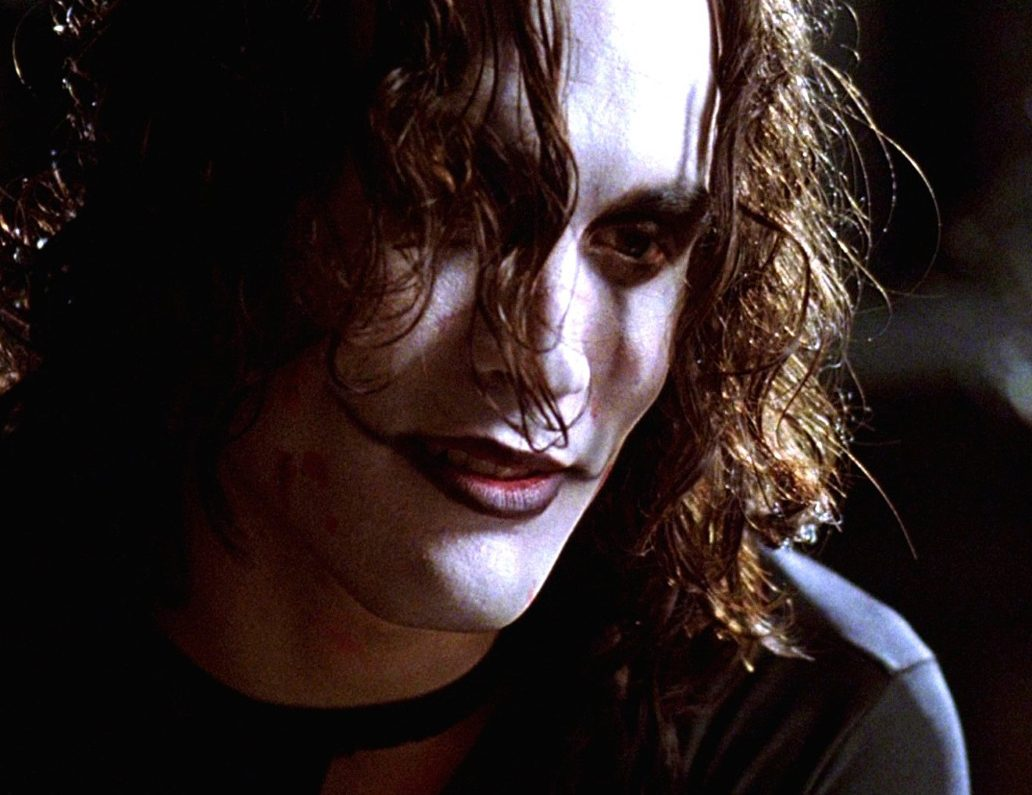 The Crow 11.09.15 e1613483021462 30 Haunting Facts About Brandon Lee's The Crow