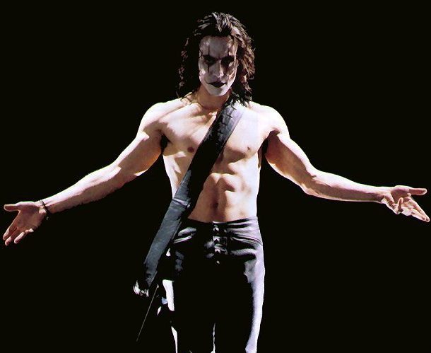 brandon crow 2 the crow 18907675 617 809 e1613474221330 30 Haunting Facts About Brandon Lee's The Crow