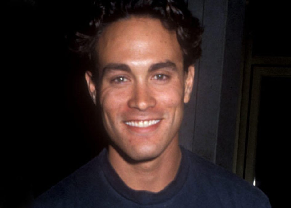 brandon lee 1600x500 1200x675 1 e1612172162695 30 Haunting Facts About Brandon Lee's The Crow