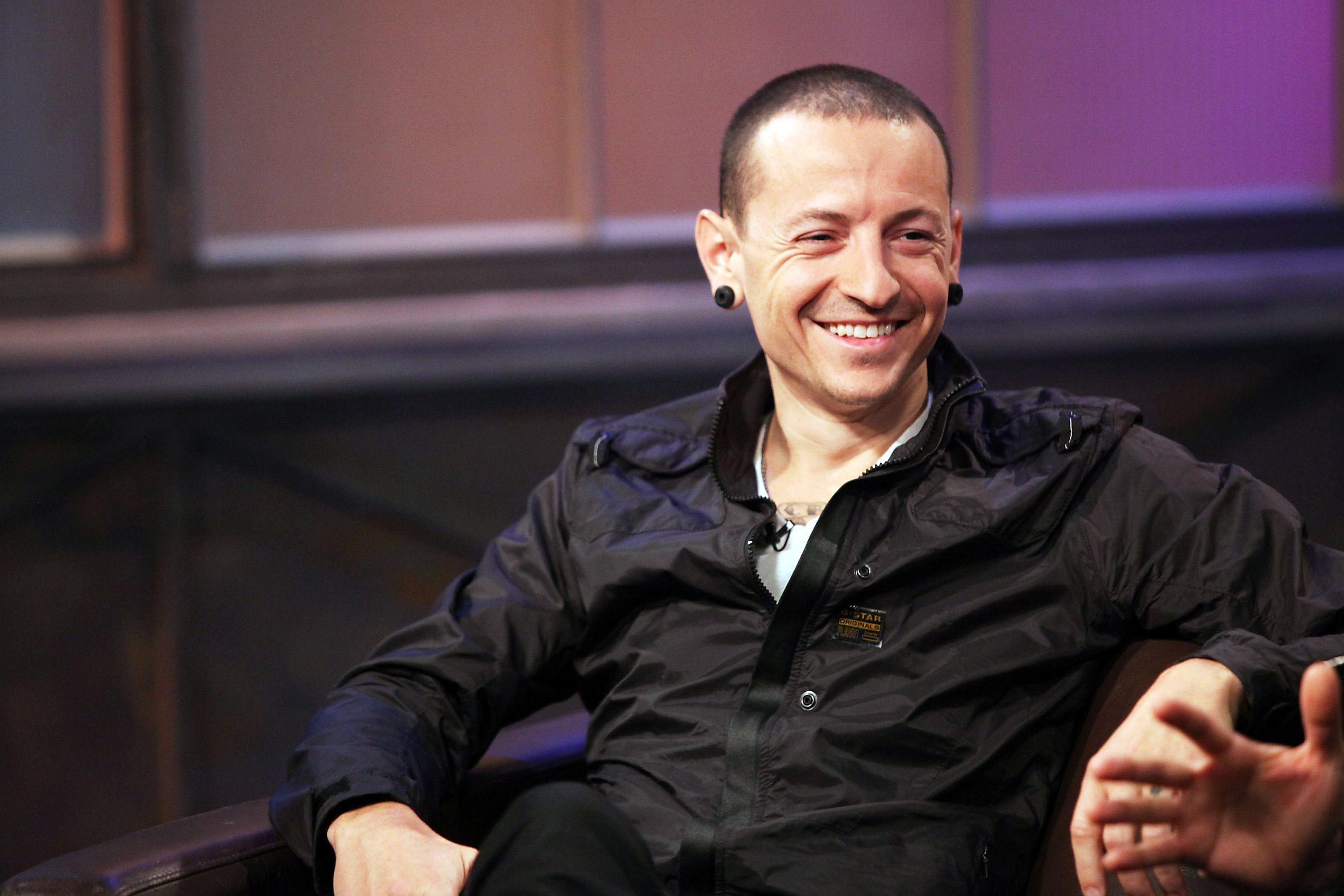 chester bennington 3 The 30 Most Haunting Final Tweets By Celebrities