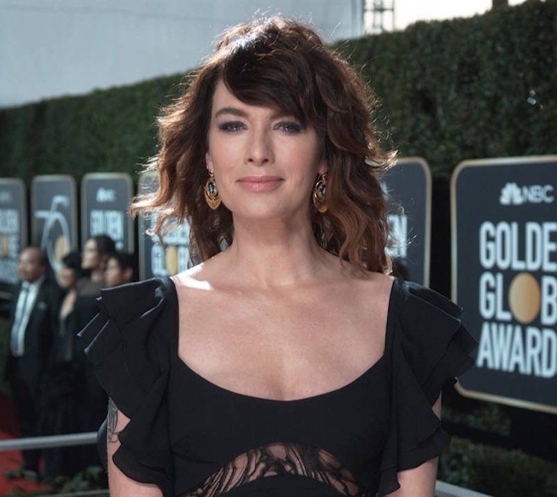 glam 2018globes heady 267528 1280x720 1131463235881 e1608210491781 What The Game of Thrones Actors Looked Like In High School