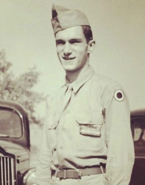 hugh hefner 25 Celebrities You Didn't Know Served In The Military