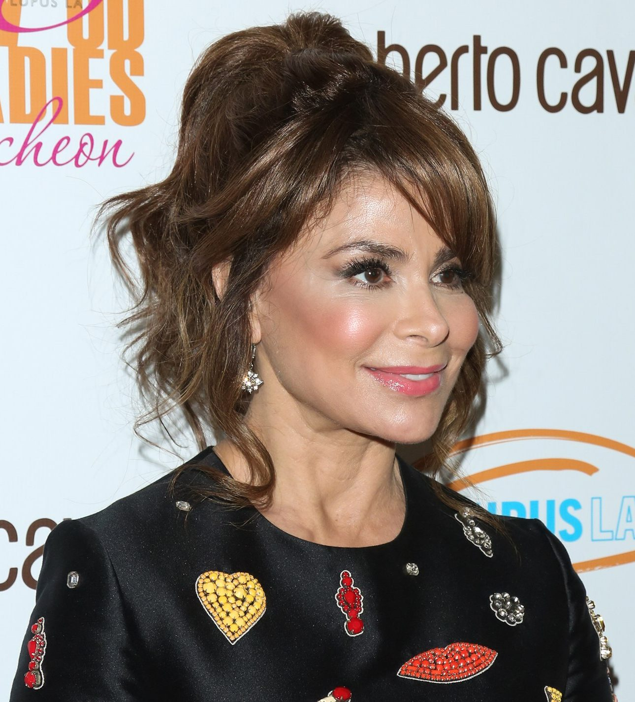 paula abdul falls off concert stage video e1553185279666 30 Hotties From Back In The Day