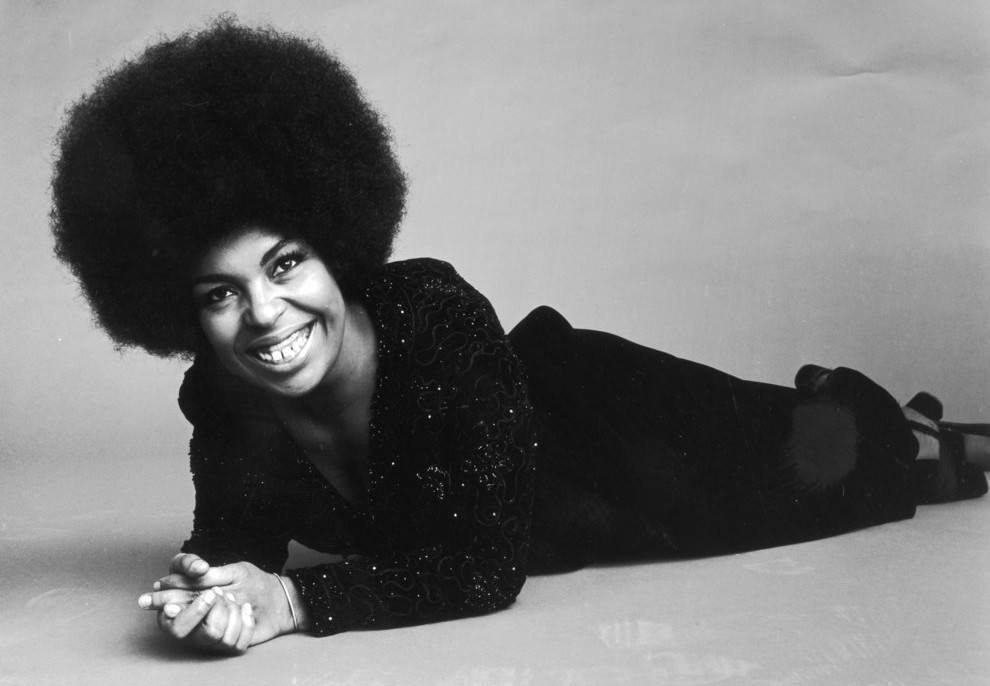 roberta flack 33 Celebrities You Didn't Know Used To Be Teachers