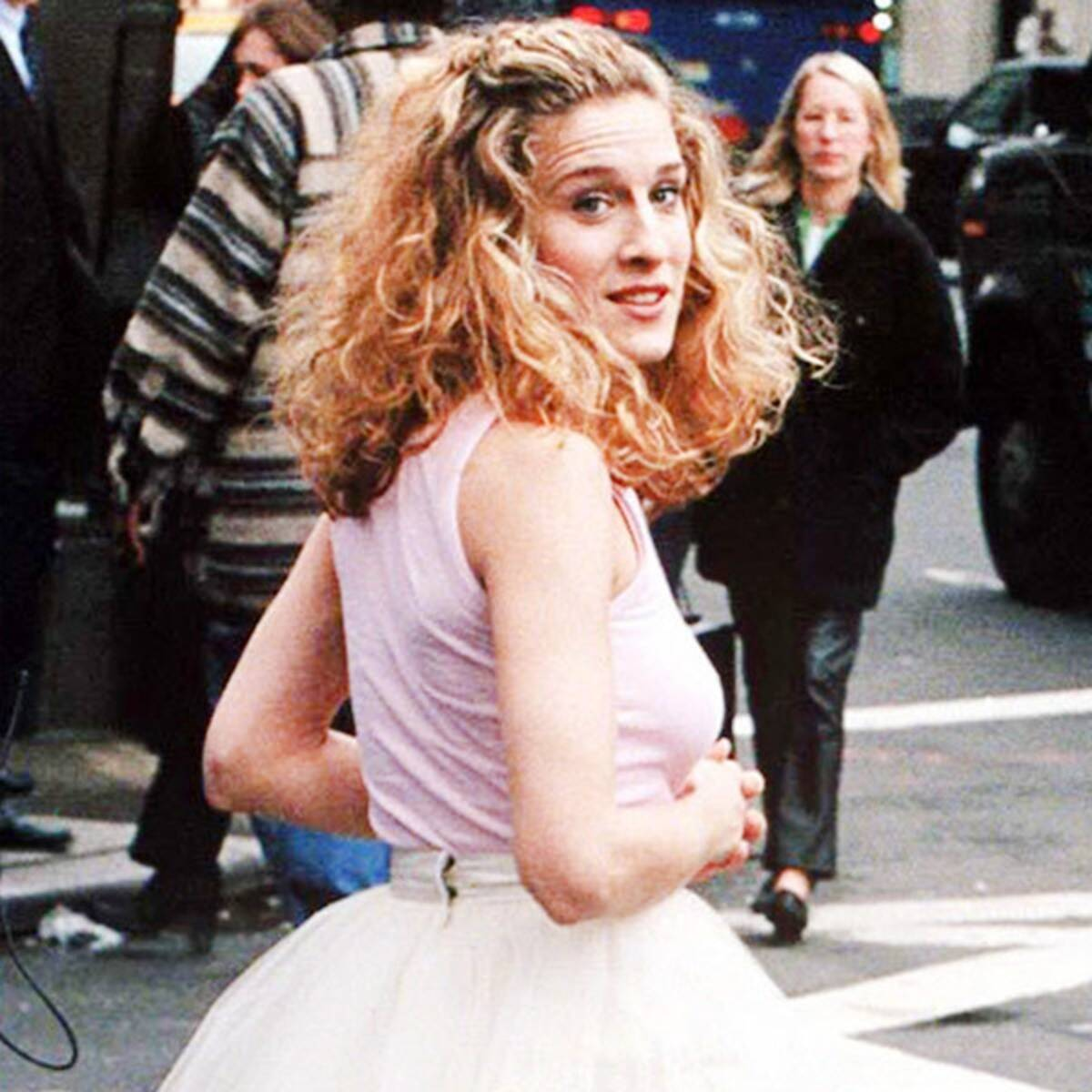rs 600x600 180605164911 600 Sarah Jessica Parker Most Iconic Sex City Outfits 30 Things You Probably Didn't Know About Dirty Dancing