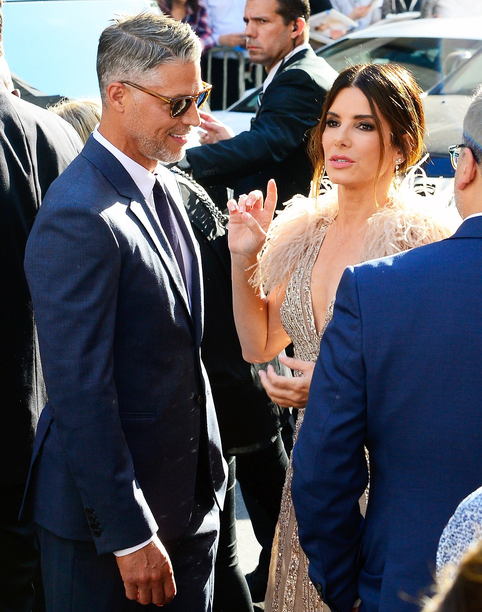 sandra bullock leaning on bryan randall promos 25 Things You Didn't Know About Bird Box