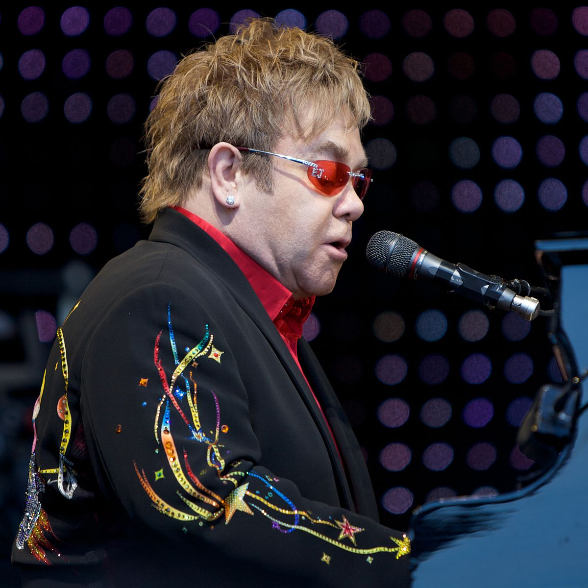 1 30 23 Things You Didn't Know About Elton John