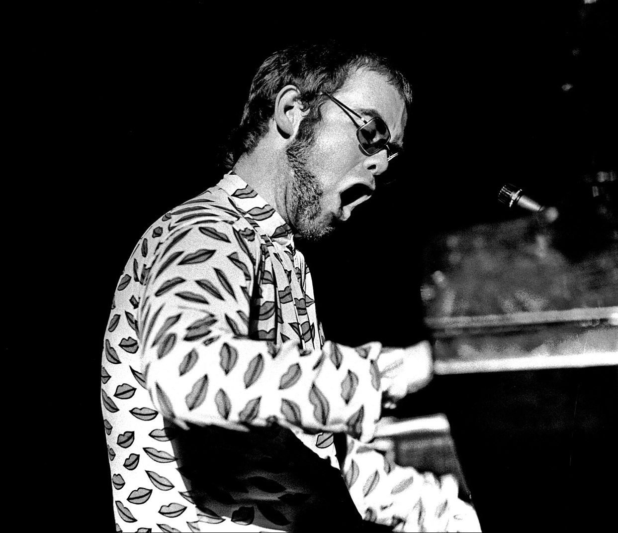 1 36 e1616670567550 23 Things You Didn't Know About Elton John