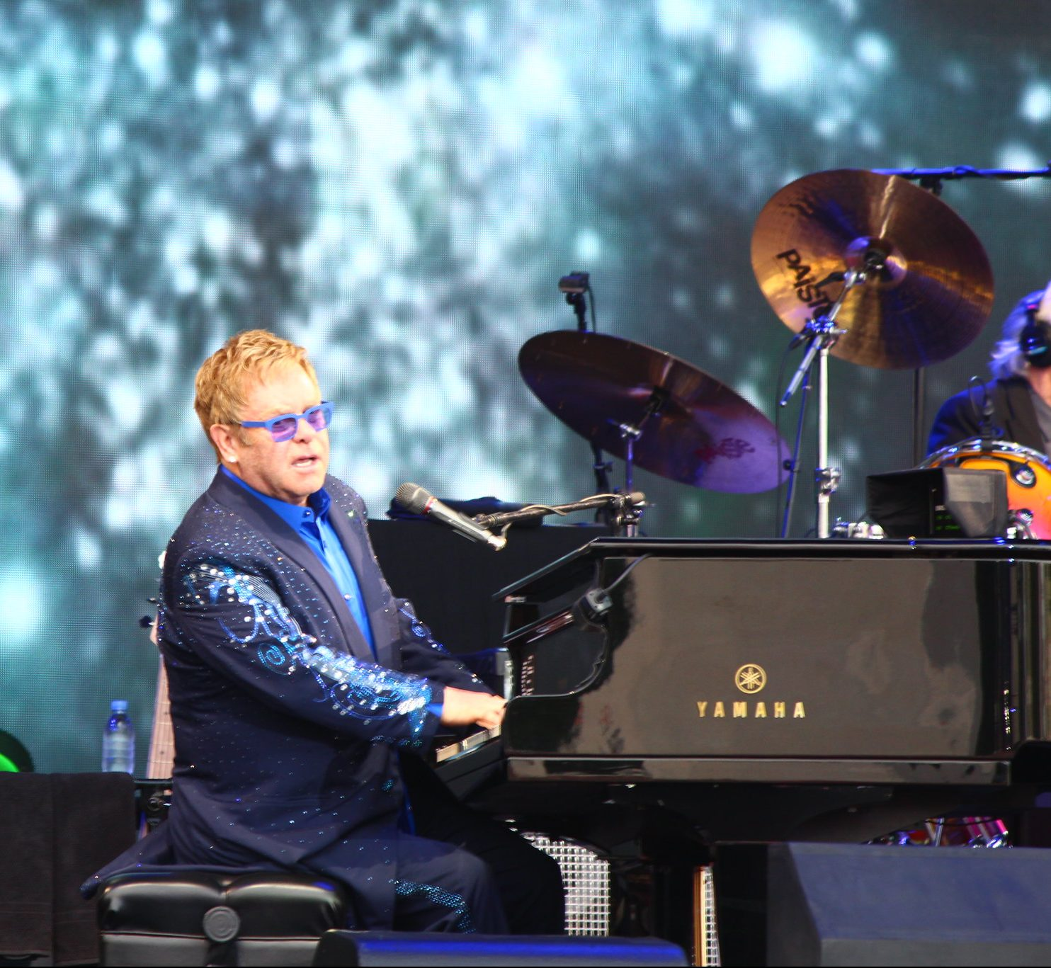 15449028888 35af3e5217 k e1616675720702 23 Things You Didn't Know About Elton John