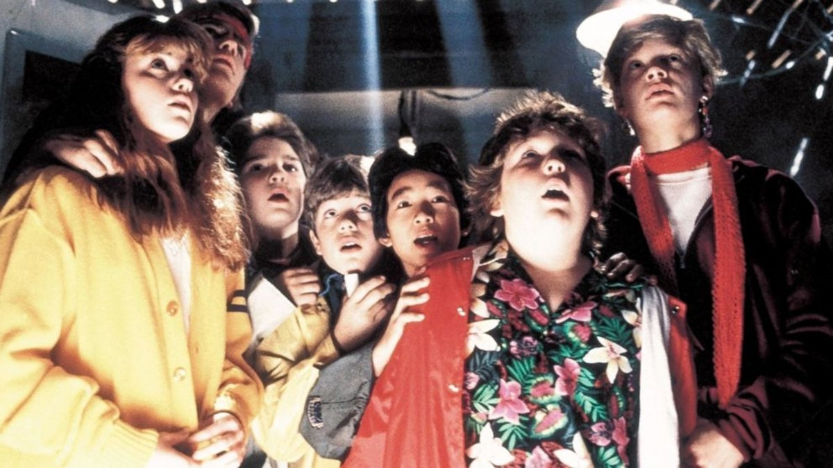 2 22 20 Full-Blooded Facts About The Lost Boys