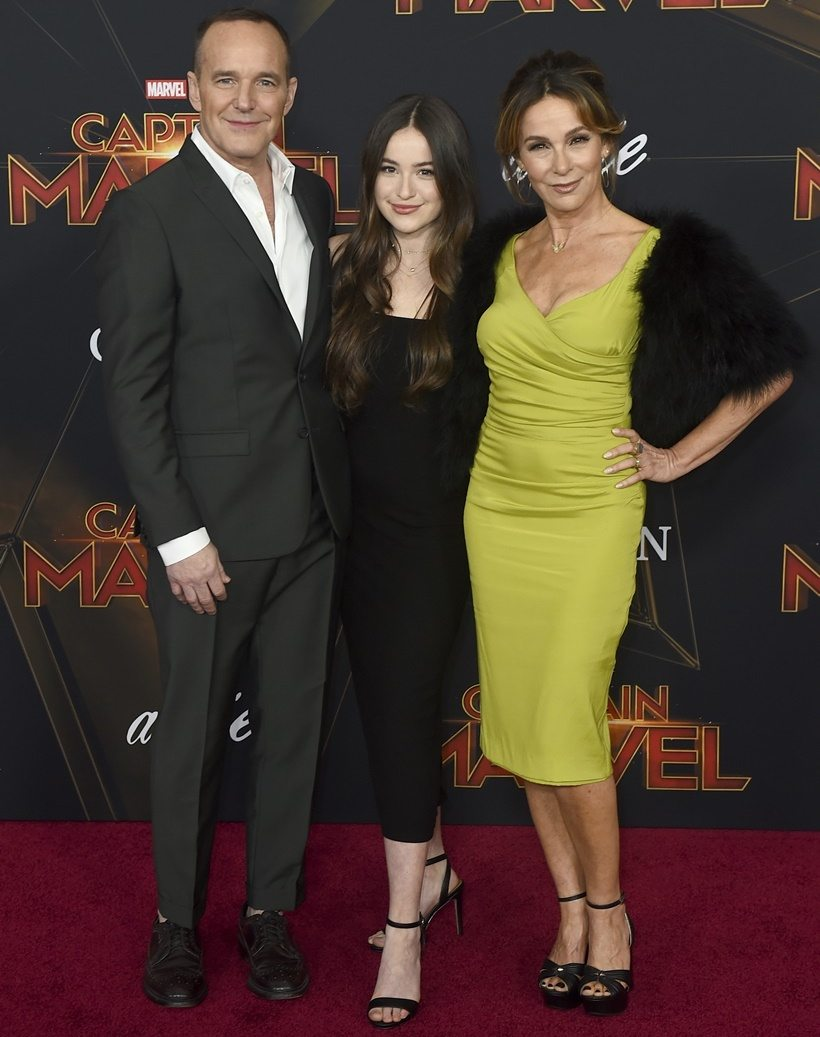 Jennifer Grey with husband Clark Gregg and daughter Stella at the Captain Marvel premiere, 2019