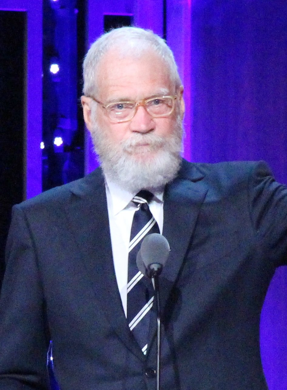 David Letterman with his Individual Peabody at the 75th Annual Peabody Awards cropped 25 Things You Never Knew About David Letterman